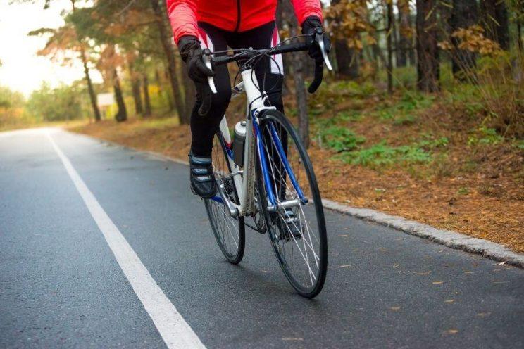 Vélo de route et culotte long