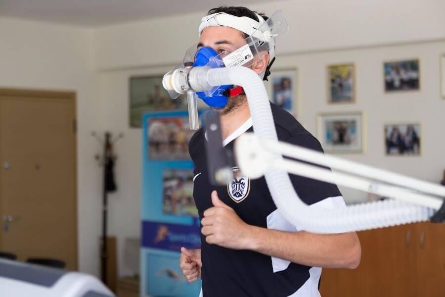 Test de respiration à l'effort sur un cycliste