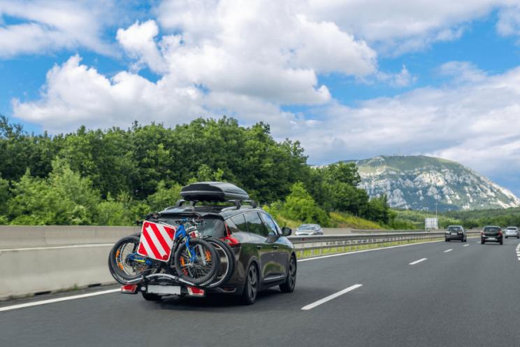 Vélos transportés en voiture