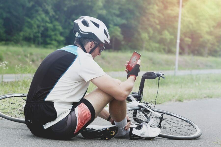 Cycliste au sol